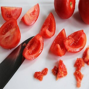 deseed tomatoes