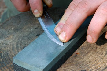 Using a Sharpening Rock / Whetstone To Hone Your Filleting Knife