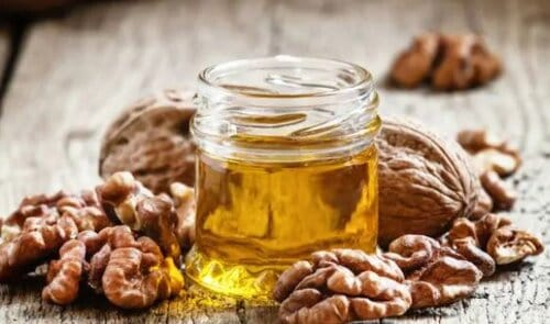 WHAT IS THE BEST NATURAL OIL FOR WOOD CUTTING BOARDS