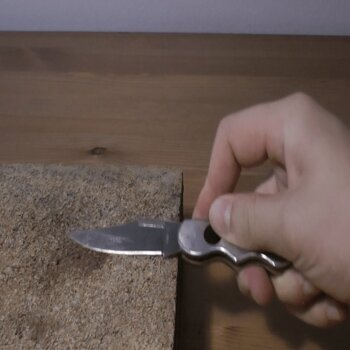 Sharpen knives Using a Slate
